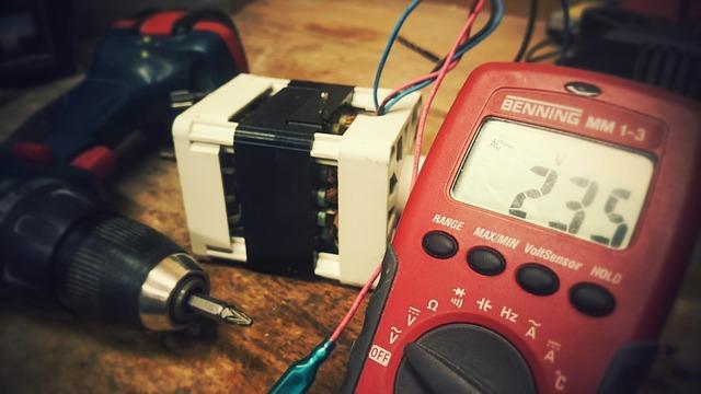 ¿Por qué es importante cambiar nuestra instalación eléctrica?